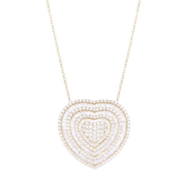 Gargantilha coração em ouro amarelo com diamantes.