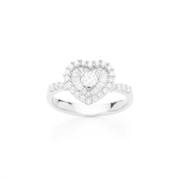 Anel coração em ouro branco com diamantes