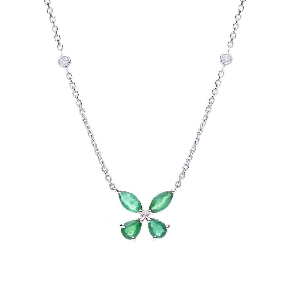 fdef17888b83c Gargantilha borboleta em ouro branco com esmeraldas e diamantes.