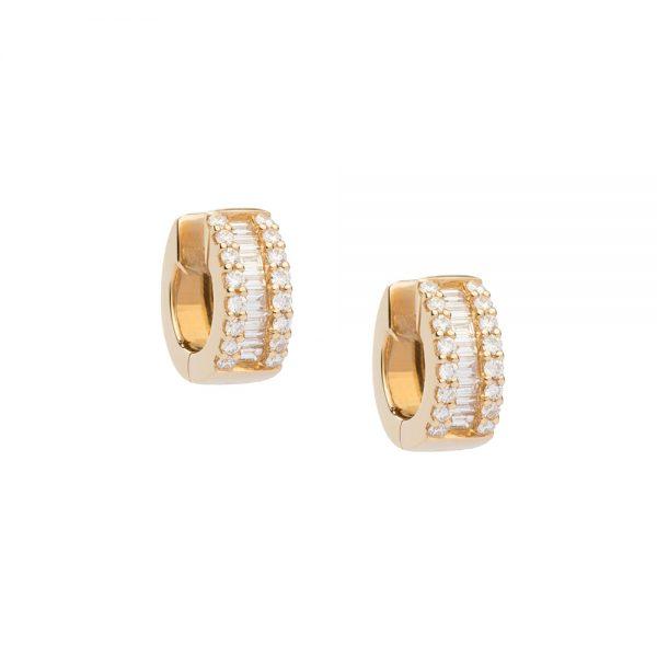 Brincos argola em ouro amarelo pequeno com diamantes lapidações baguete e brilhante